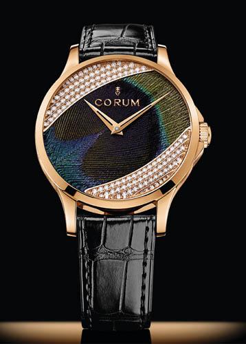 Orologio di lusso Corum creato con arte Plumasserie